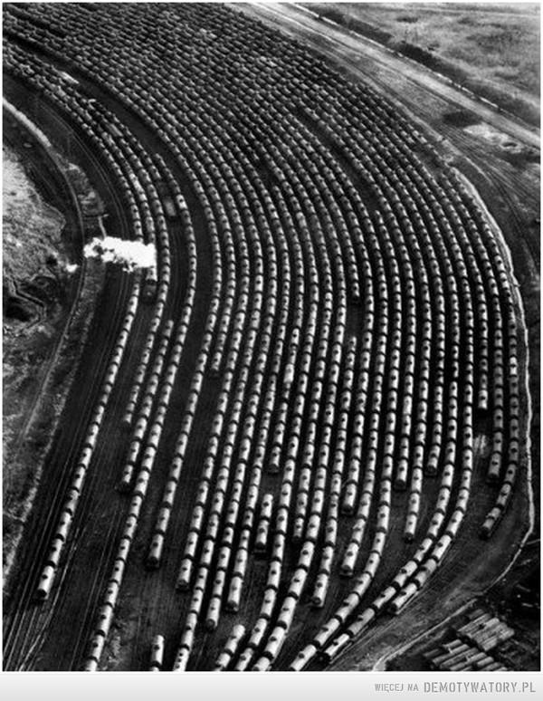 1939. Ropa naftowa transportowana cysternami dla potrzeb II WŚ –