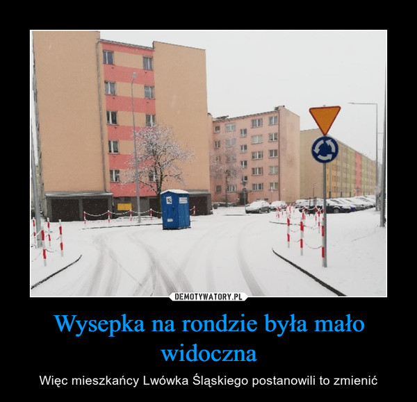 Wysepka na rondzie była mało widoczna – Więc mieszkańcy Lwówka Śląskiego postanowili to zmienić