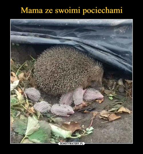 Mama ze swoimi pociechami